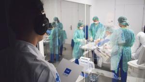 Un grupo de alumnos en el Centro de Innovación en Simulación (CISARC).