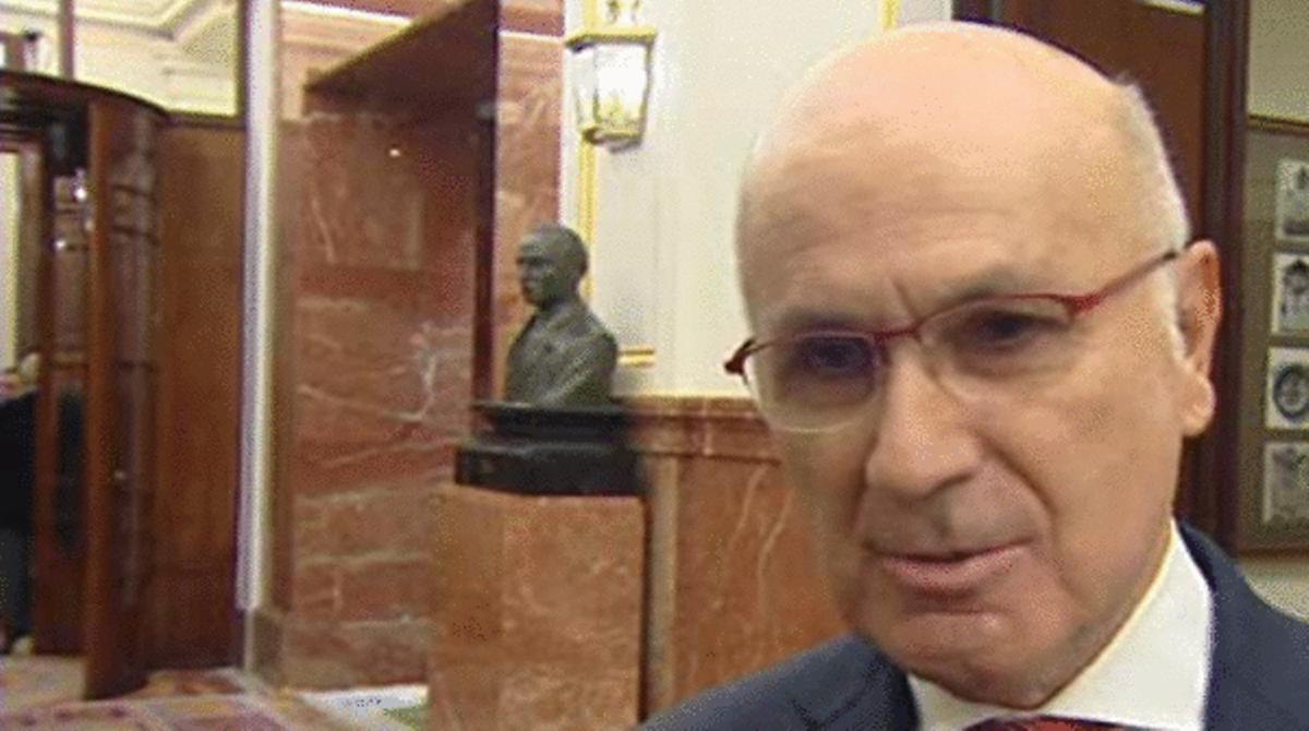 El portavoz de CIU, Duran i Lleida habla a los medios sobre la consulta soberanista.