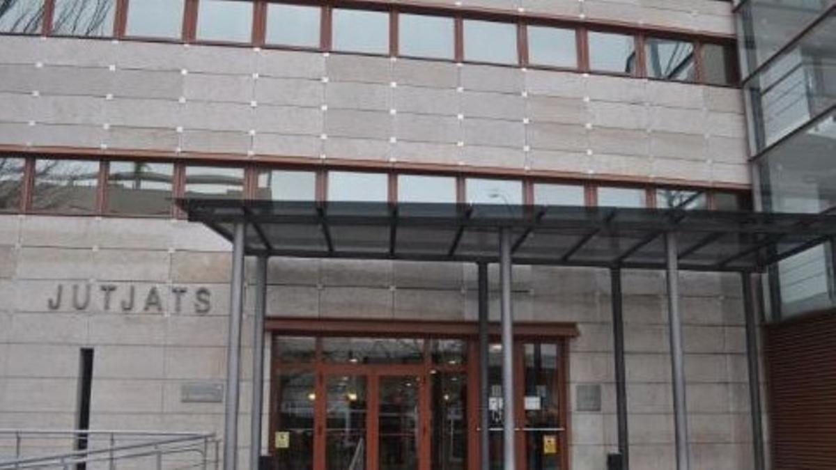 Entrada a los juzgados de Reus.