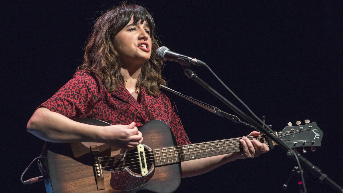 La cantante y guitarrista Joana Serrat, en el festival Blues & Ritmes, este sábado.