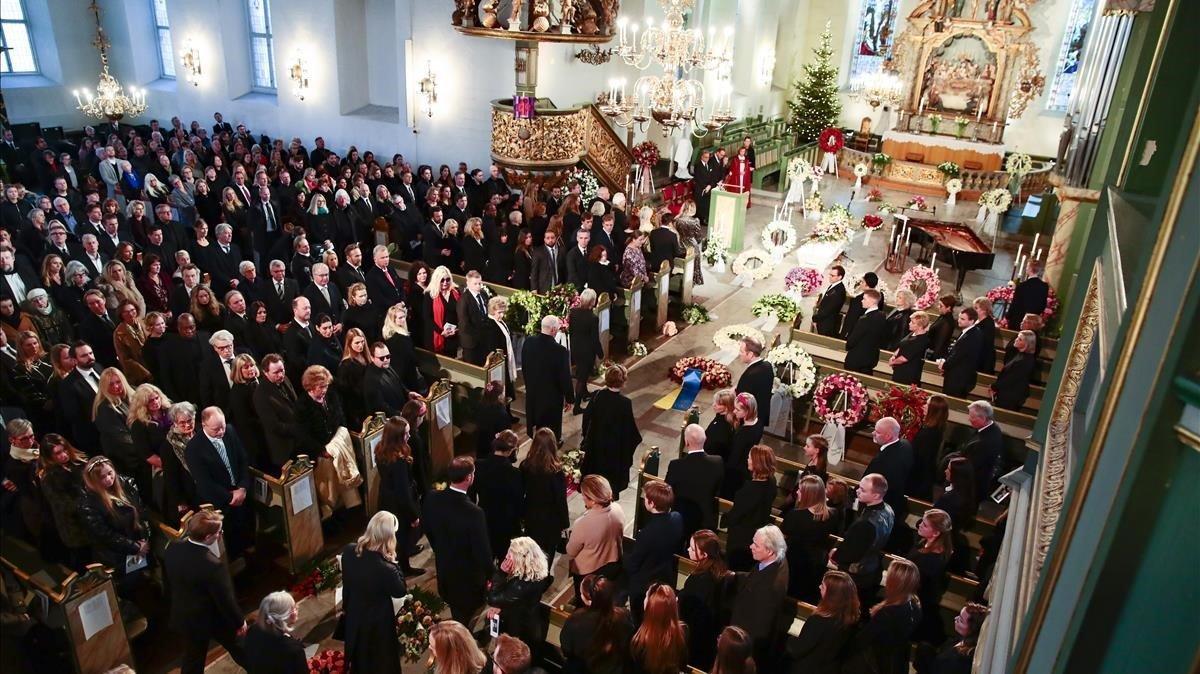 Una vista de la catedral de Oslo durante el funeral, que ha sido retransmitido por la televisión.