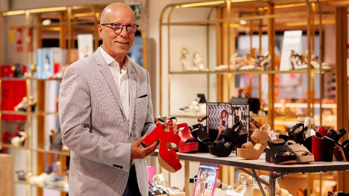 «Les botigues hauran de ser més personals i amigables, per donar carinyo al client»