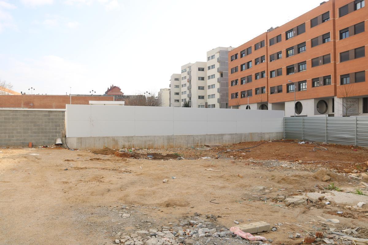 Solar donde se levantará una nueva promoción de vivienda protegida en Sabadell