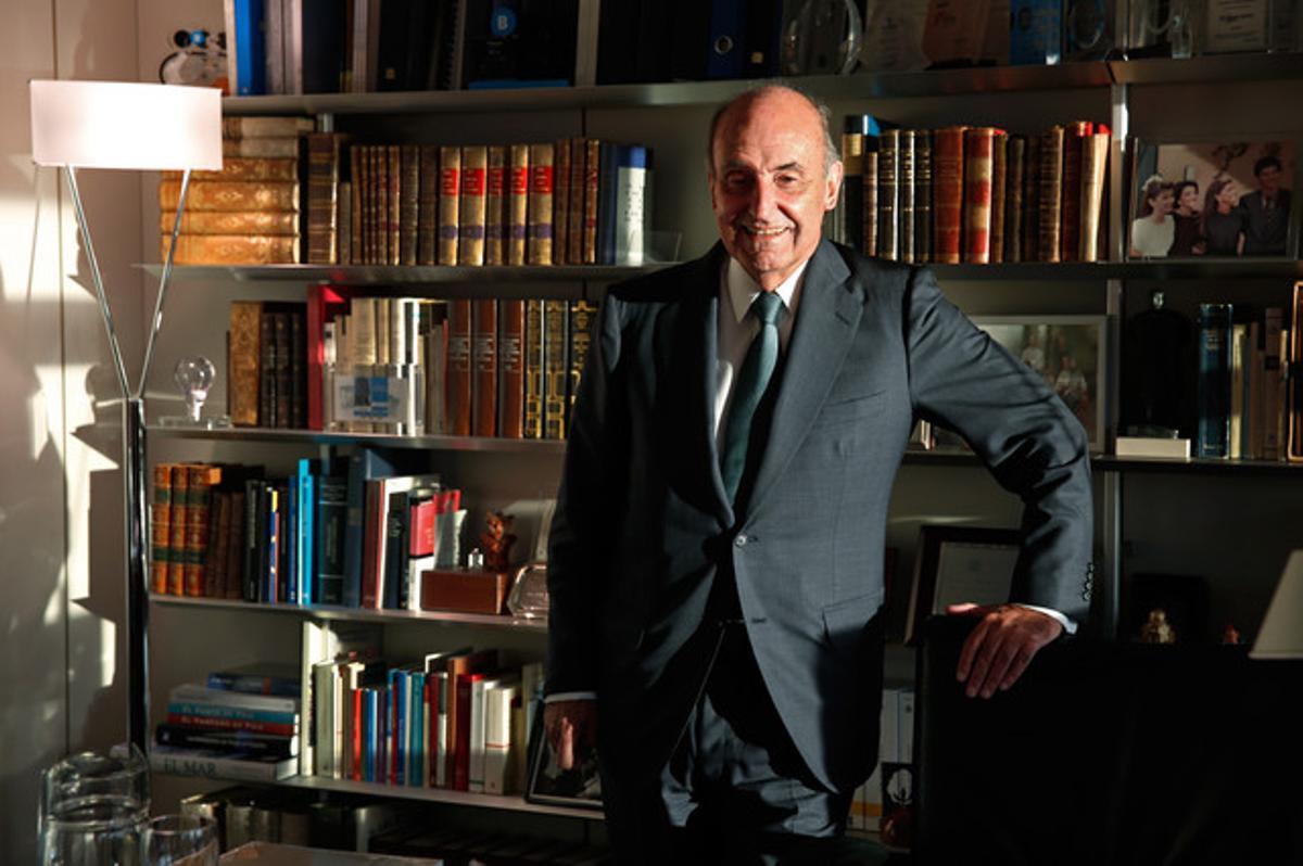 Miquel Roca, en su despacho.