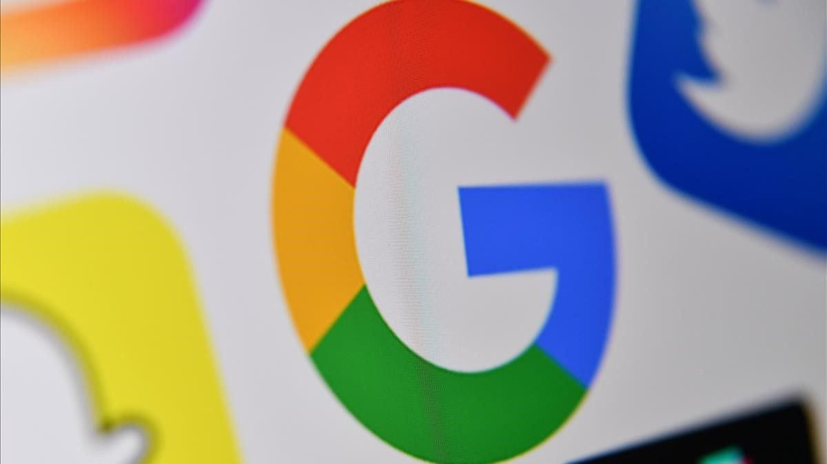 (FILES) This file photo taken on October 21  2020 in Lille shows the logo of the multinational American Internet technology and services company  Google (C)  - A massive outage knocked Google services including Gmail and video sharing platform YouTube offline across much of the globe  (Photo by DENIS CHARLET   AFP)