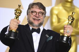Guillermo del Toro, con los Oscar a la mejor película y a la mejor dirección por 'La forma del agua'.