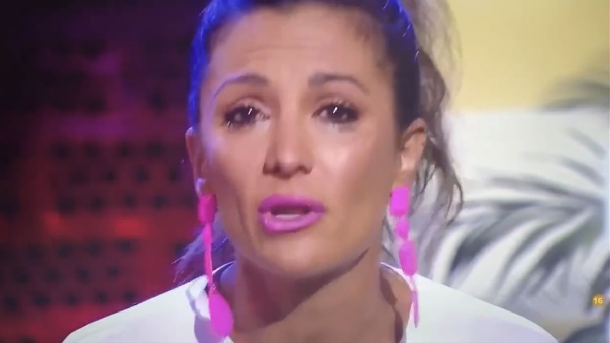 """Nagore Robles rompe a llorar por el ataque homófobo de Malasaña: """"Si nos prohibieran amar, no seríamos personas"""""""