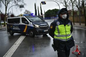 Control policial a la entrada de Logroño para frenar el avance del coronavirus.