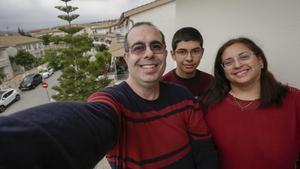 """Familia Gené: """"Nos hacemos un selfi en los 948 pueblos de Catalunya"""""""