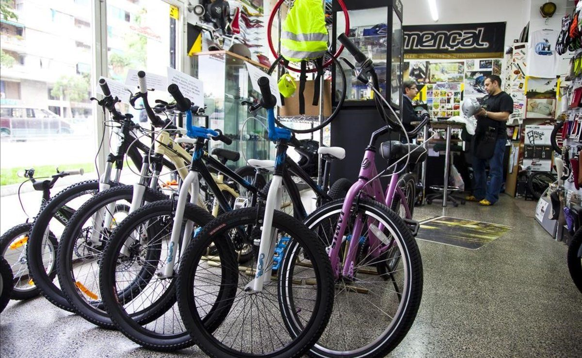 Les vendes de bicicletes esgoten estocs
