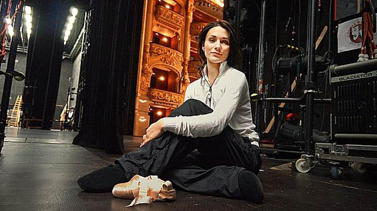 La bailarina Sarah Lane representa, junto a Ángel Corella, 'El lago de los cisnes' en el Teatre del Liceu.