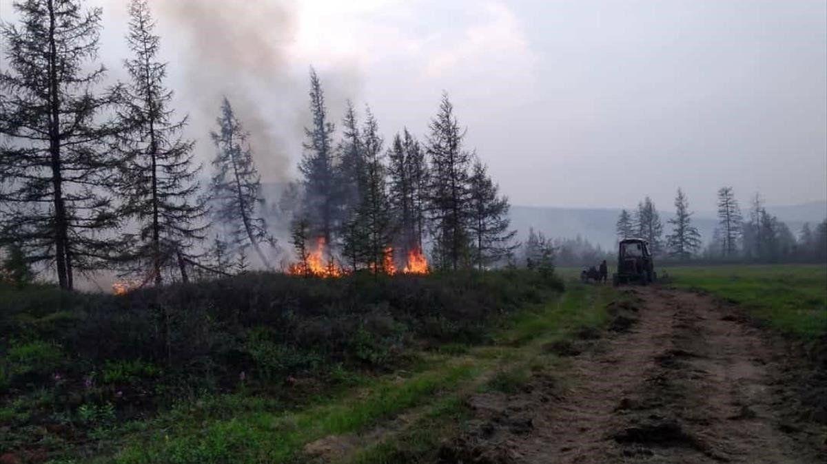 Alerta científica perquè el desglaç del permafrost a Sibèria allibera gas d'efecte hivernacle