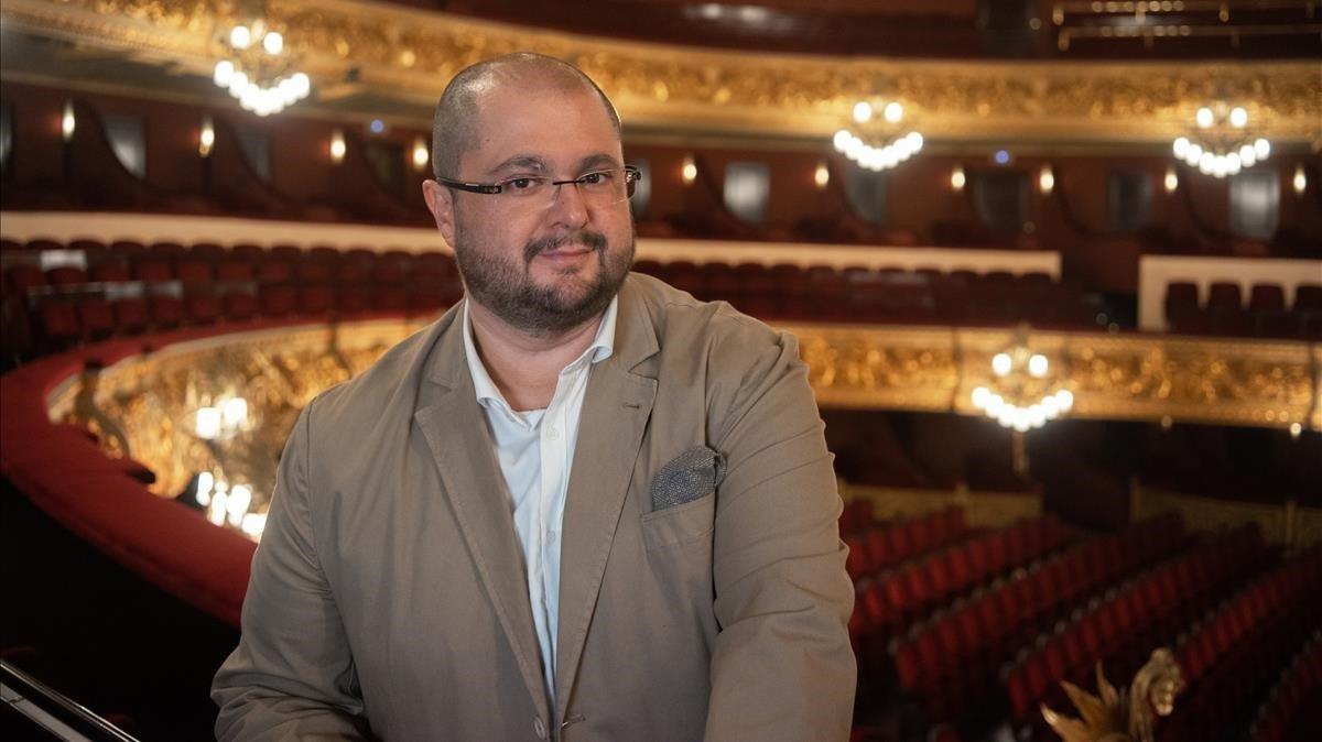 El tenor canario Celso Albeloen el Liceu.