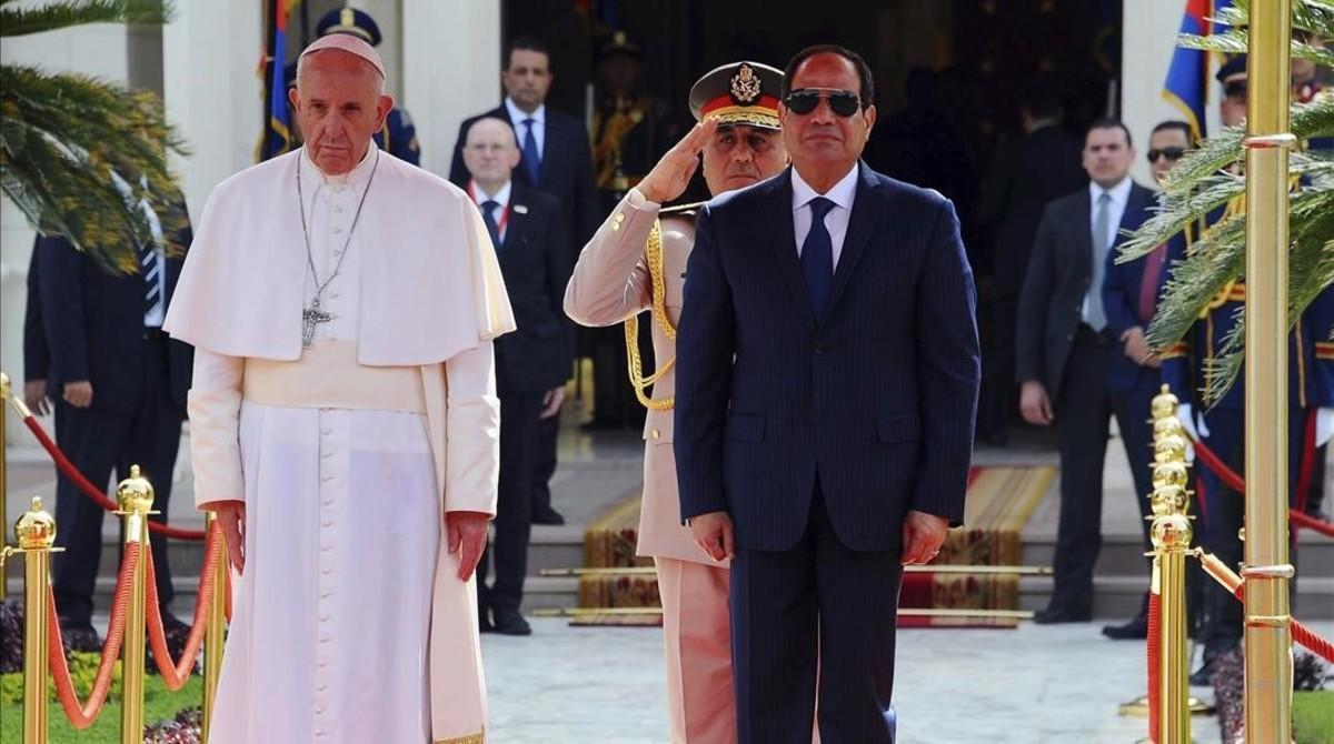 El papa Francisco y el presidente egipcio, Abdelfatá al Sisi.