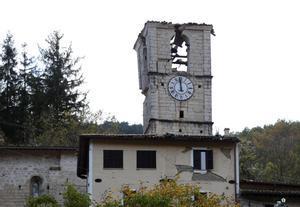 Daños en la torre de Castel Santangelo sul Nera.
