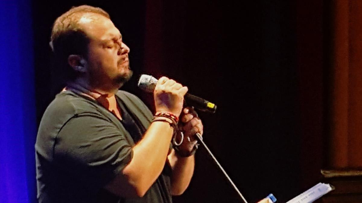 Celso Albelo en la presentación de su álbum en el Teatro Leal de La Laguna, Santa Cruz de Tenerife.