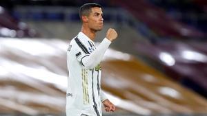 Cristiano Ronaldo celebra un gol marcado a la Roma en la Serie A.