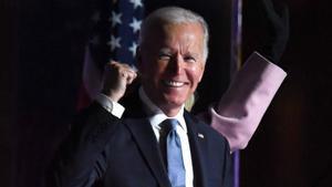 Joe Biden, junto a su esposa, durante su comparecencia en Delaware.