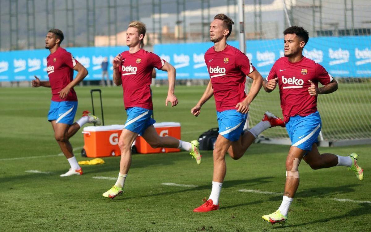 Araujo, Frenkie de Jong, Luuk de Jong y Coutinho, en el entrenamiento previo al duelo con el Bayern.