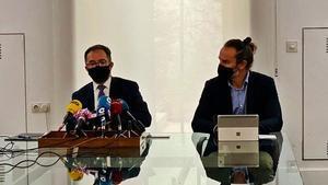 El conseller de Vivienda, Josep Marí, y el director general, Eduardo Robsy.