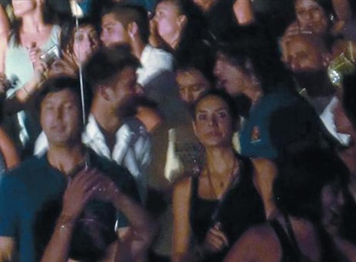 De concierto 8 Piqué y Puyol, en un concierto de Alejandro Sanz.