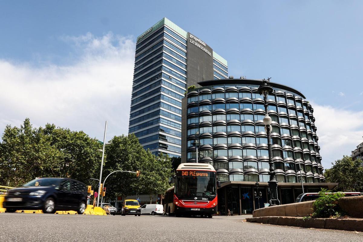 La Generalitat concentra la inversión publicitaria en el Grupo Godó