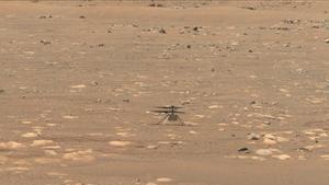 Ingenuity en la superficie de Marte.
