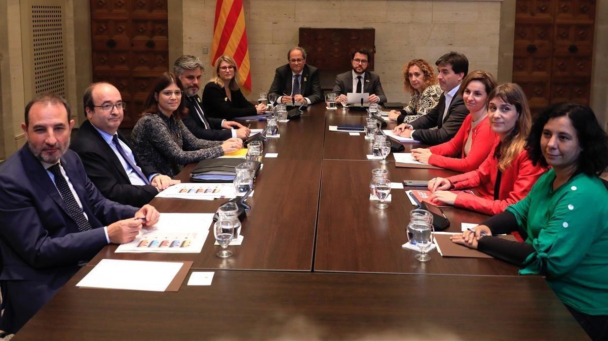 El 'president' Torra preside la cumbre en el Palau de la Generalitat