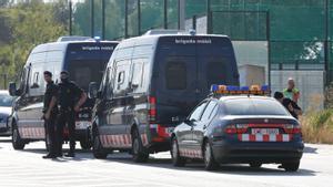 Control de los Mossos en la carretera C-243b de Sant Sadurní a Gelida, en el kilómetro 16,4, en agosto de 2017, tras los atentados terroristas de Barcelona y Cambrils del 17 de agosto.