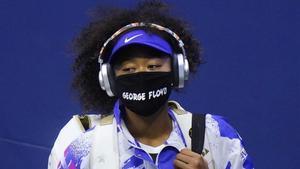 Naomi Osaka, con máscara en homenaje a George Floyd.