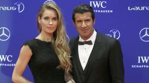 Luis Figo junto a su esposa Helen Svedin durante los premios Laureus