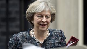 La primera ministra británica, Theresa May, a la salida de Downing Street.