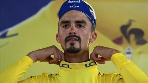 Julian Alaphilippe, con el jersey de líder del Tour.