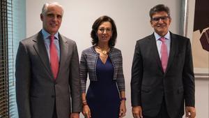 Andrea Orcel, Ana Botín y José Antonio Álvarez, el pasado septiembre.