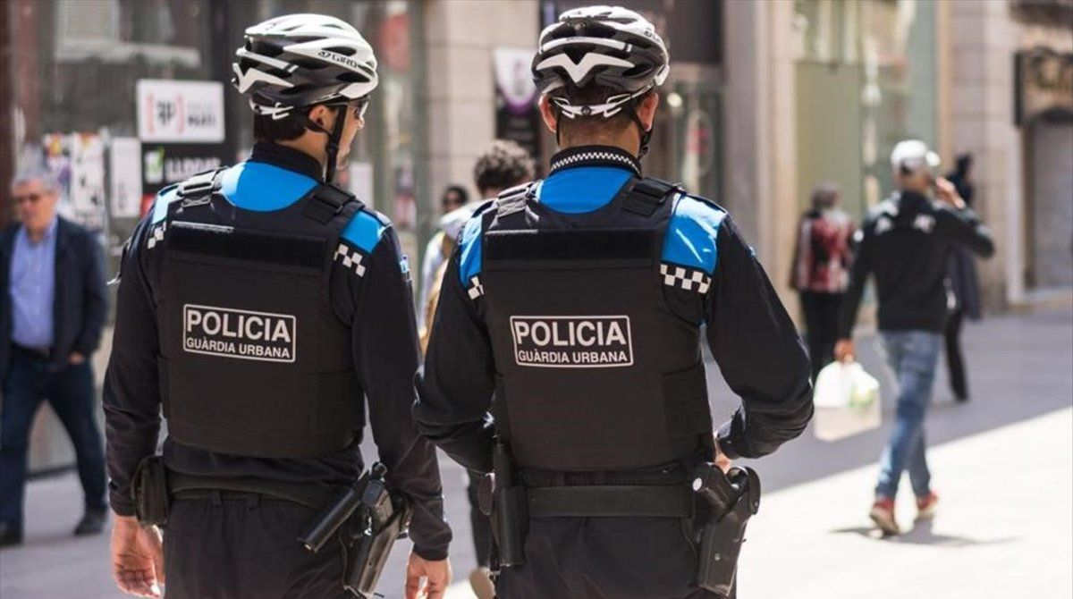 Una patrulla de la Guardia Urbana de Lleida