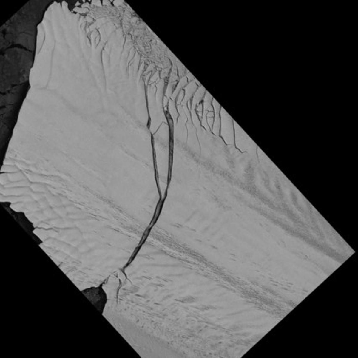 El nuevo iceberg surgido del glaciar Pine Island, fotografiado por el satélite aleman TerraSar-X.