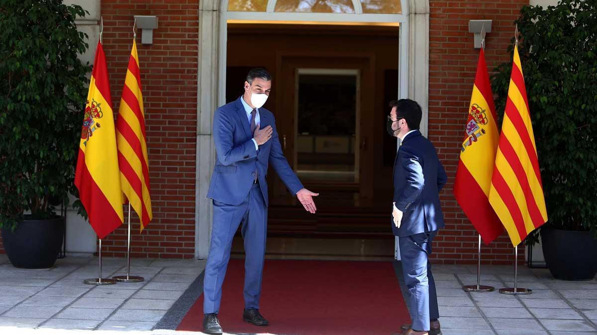 El presidente del Gobierno, Pedro Sánchez, recibe en la Moncloa al 'president', Pere Aragonès, el pasado 29 de junio.
