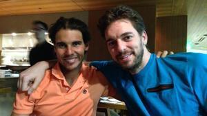 Rafa Nadal y Pau Gasol, en una cena en Los Angeles (EEUU).