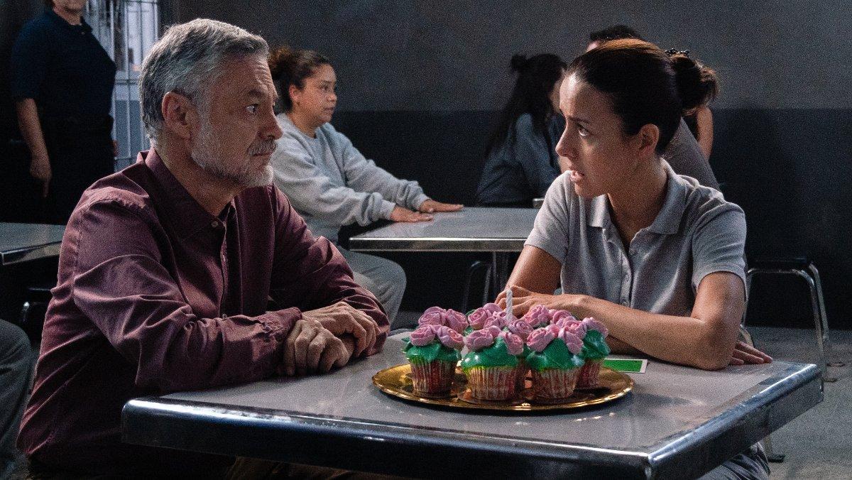 Arturo Ríos (Ernesto) y Cecilia Suárez (Paulina), en la tercera temporada de 'La casa de las flores'.