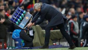 Mourinho celebra un gol del Manchester United contra el Young Boys el pasado martes.