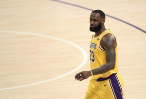 Lebron James durante un partido de la NBA con Los Ángeles Lakers.