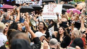 Milers d'australianes es manifesten contra la violència de gènere