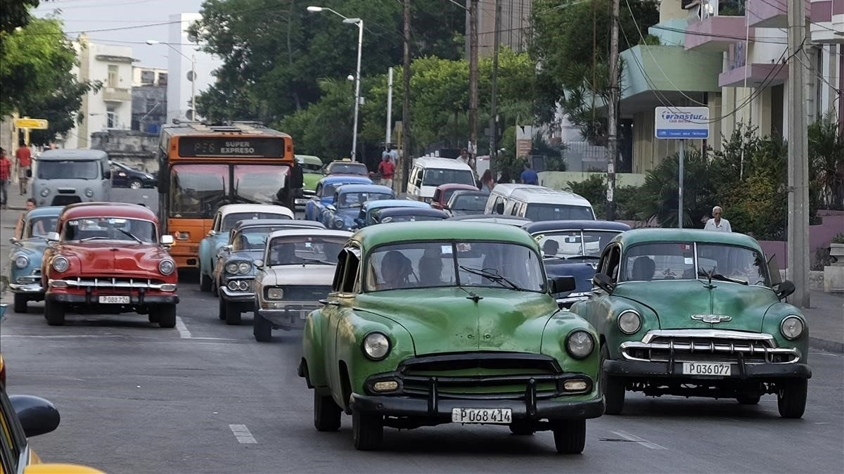 El carburante escasea en Cuba lo que ha provocado ladisminución del tráfico en las calles y carreteras de la isla.