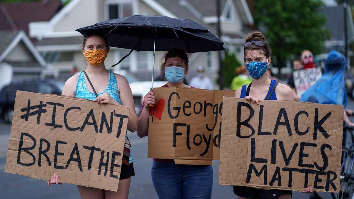 Protestas por la muerte de un ciudadano afroamericano a manos de policías en Estados Unidos.