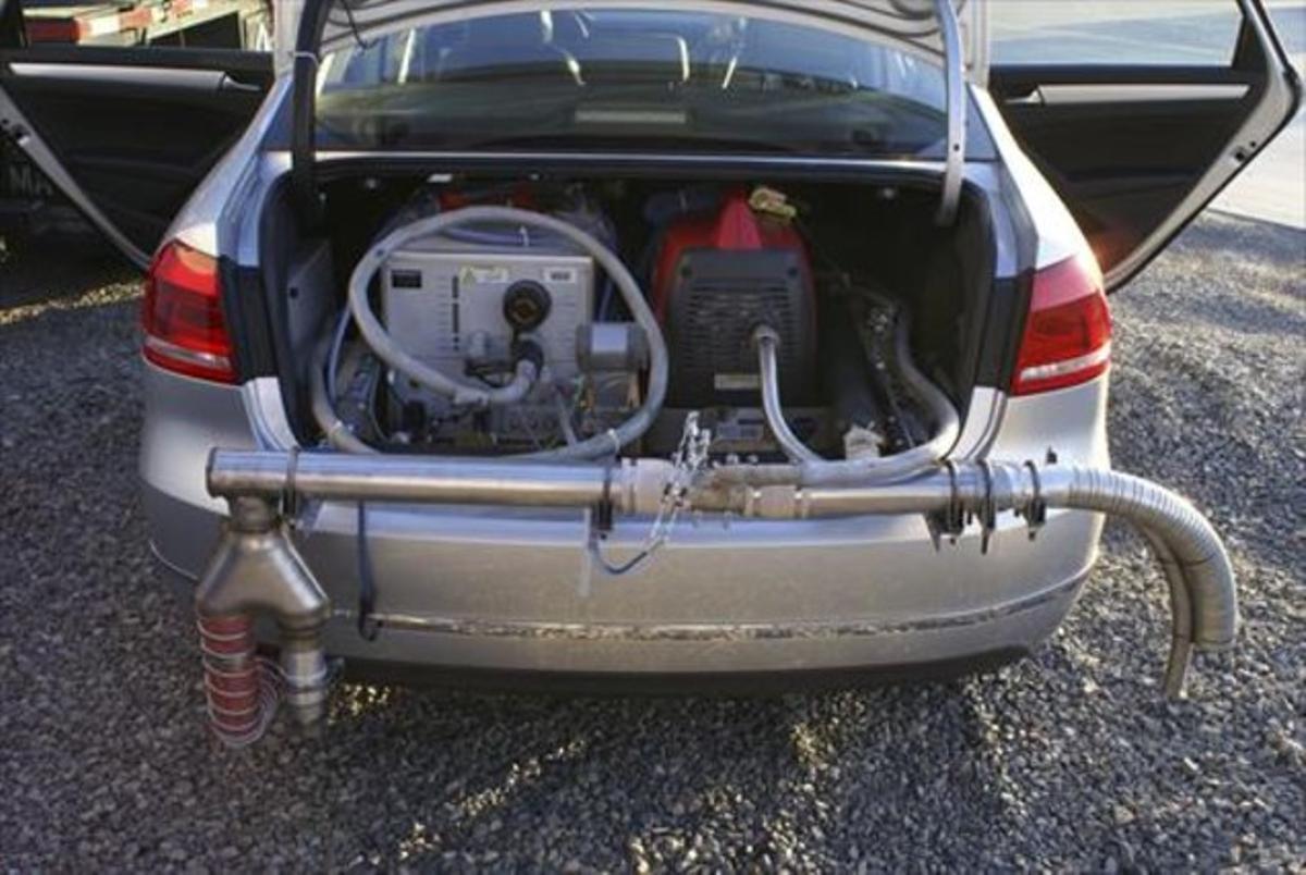 Prueba de control de emisiones de un coche de Volkswagen en Estados Unidos.