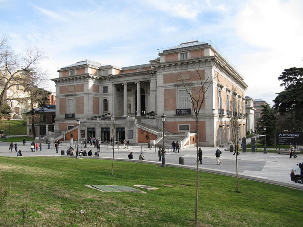 Exterior del Museo del Prado, que cumple200 años,en Madrid.
