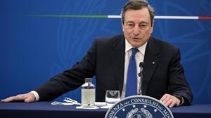 Draghi tilda de dictador a Erdogan y lamenta la humillación a Von der Leyen.