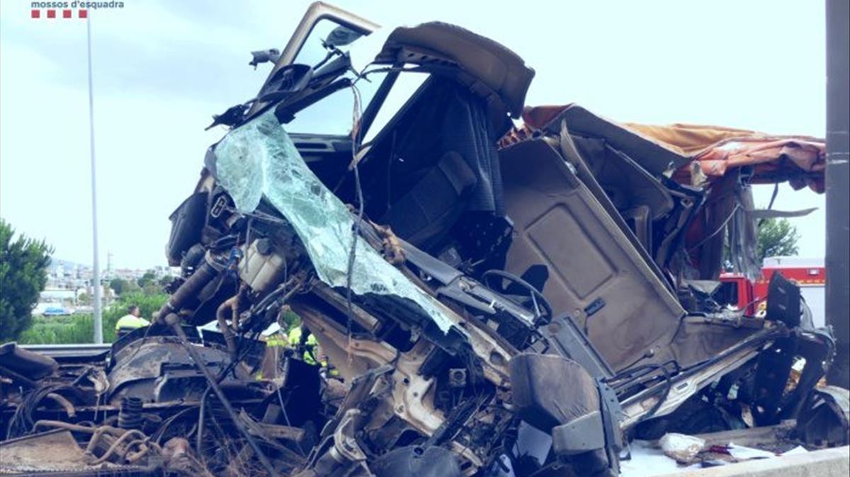El camión estrellado el 3 de julio de 2020.