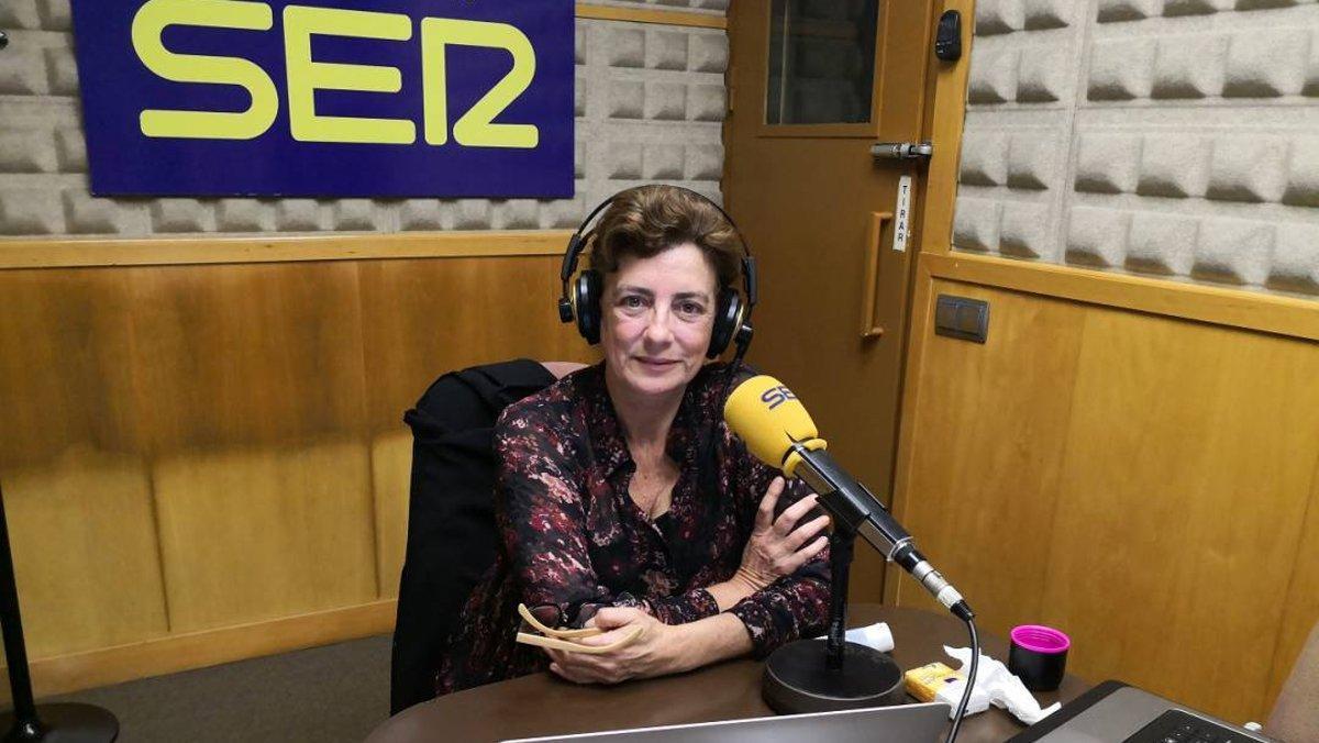 Ángeles Caso, en los estudios de la Cadena SER.
