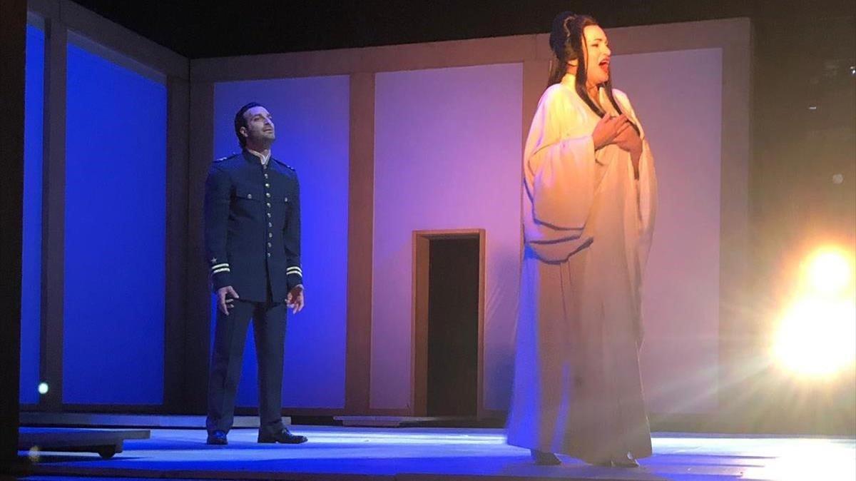 Ainhoa Arteta en el rol de Cio-Cio San junto a Rame Lahaj, en el Liceu.